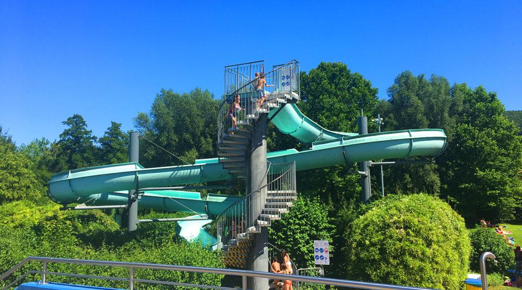 Riesenrutsche Spaßbad faMos Freibad Mosbach